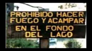CARTELES GRACIOSOS - FUEGO EN LAGO